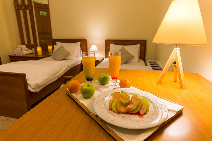 Standard Rooms Low Cost And Confortable In The Center Of: HOTEL BARON TIRANA BUDGET LOW COST PRICE